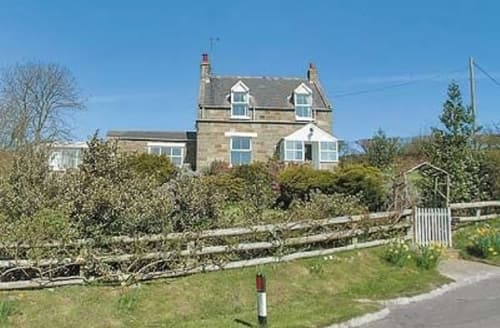 Last Minute Cottages - Adorable Whitby Cottage S15578