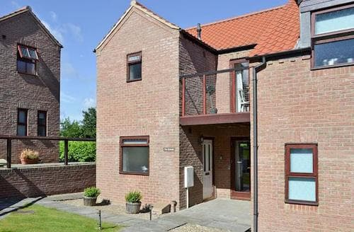 Big Cottages - Stunning Whitby Cottage S60812