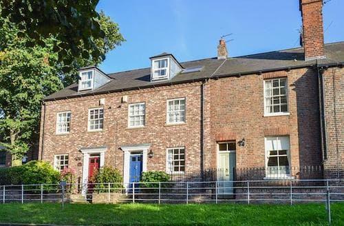 Big Cottages - Luxury York Cottage S15629