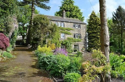 Last Minute Cottages - Adorable Holmfirth Cottage S81427