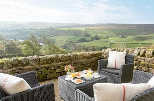 Last Minute Cottages - Lovely Haworth Cottage S85377