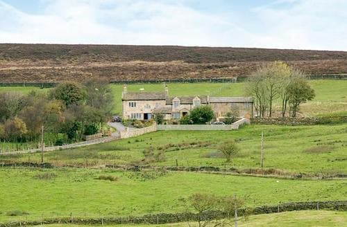 Last Minute Cottages - Adorable Haworth Cottage S86330