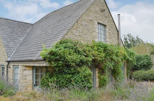 Last Minute Cottages - Cosy Chipping Norton Cottage S15687