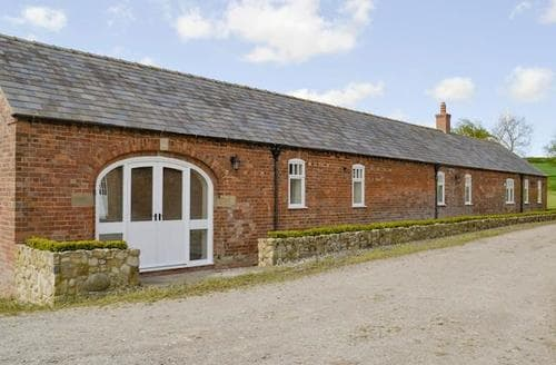 Big Cottages - Quaint Market Rasen Lodge S80603