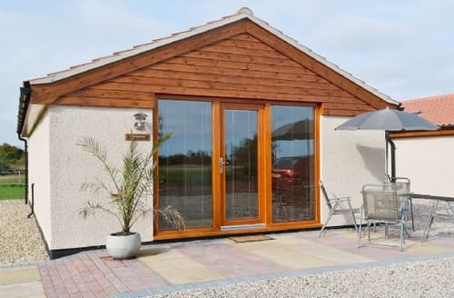 Last Minute Cottages - Wonderful Skegness Cottage S15888