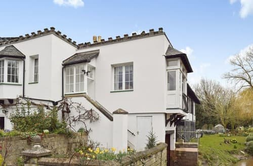 Last Minute Cottages - Inviting Alcester Apartment S15905