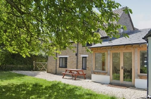 Last Minute Cottages - Cosy Stratford Upon Avon Cottage S15929