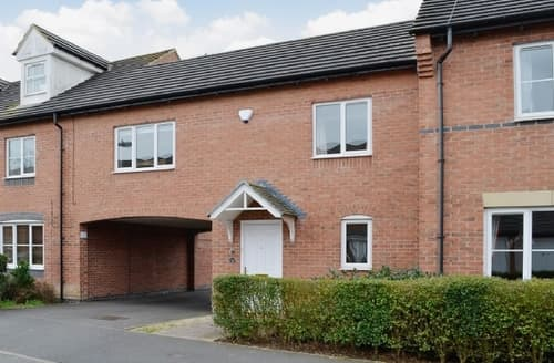 Last Minute Cottages - Lovely Stratford Upon Avon Apartment S15939