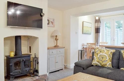 Last Minute Cottages - Tasteful Stratford Upon Avon Cottage S84899