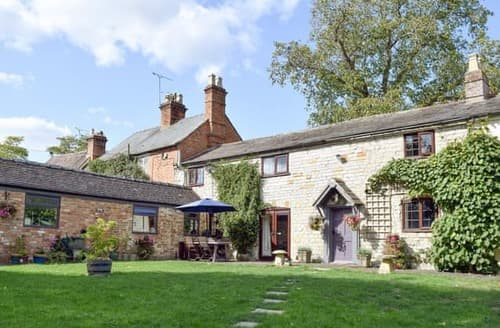 Last Minute Cottages - Inviting Stratford Upon Avon Cottage S122310