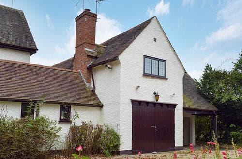 Last Minute Cottages - Tasteful Warwick Cottage S15947