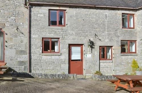 Big Cottages - Charming Leek Cottage S16005