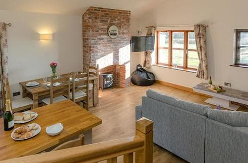 Big Cottages - Inviting Stafford Cottage S89509