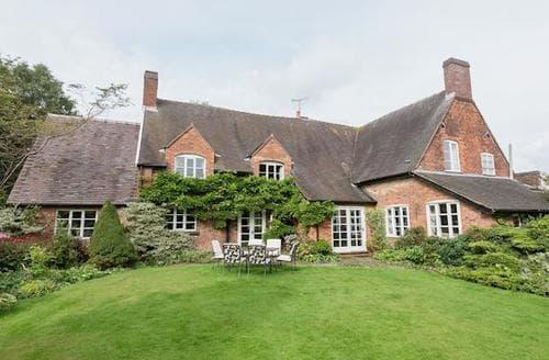 Big Cottages - Delightful Stoke On Trent Cottage S16061