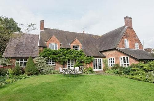 Last Minute Cottages - Delightful Stoke On Trent Cottage S16061