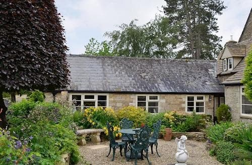 Last Minute Cottages - Luxury Cirencester Cottage S16159