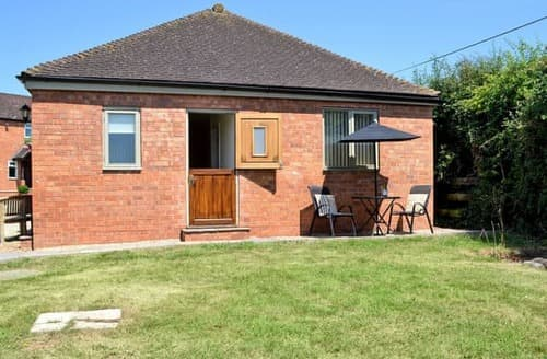 Last Minute Cottages - Delightful Gloucester Cottage S105270