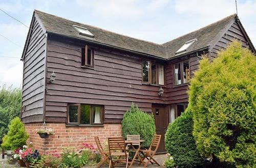 Last Minute Cottages - Luxury Evesham Cottage S24892