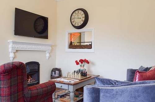 Last Minute Cottages - Charming Malvern Apartment S80330