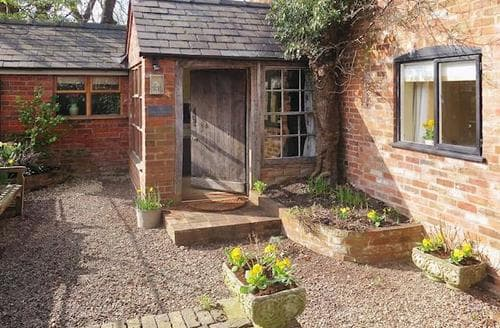 Last Minute Cottages - Exquisite Tenbury Wells Cottage S16382