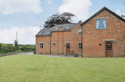Last Minute Cottages - Delightful Ashbourne Cottage S16412