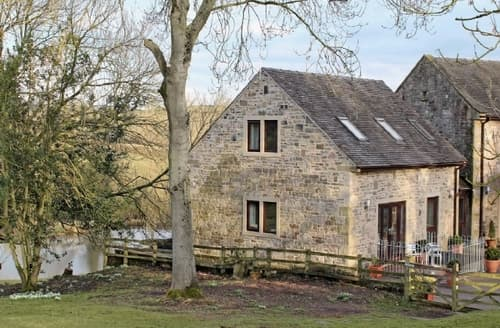 Last Minute Cottages - Delightful Ashbourne Cottage S24907