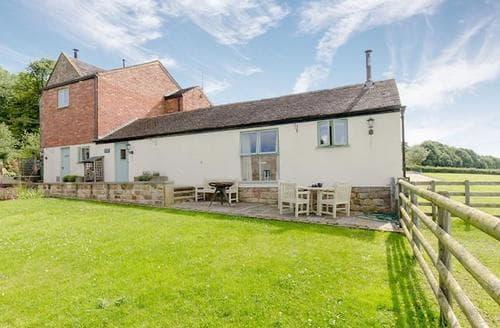 Last Minute Cottages - Cosy Brassington Lodge S60479