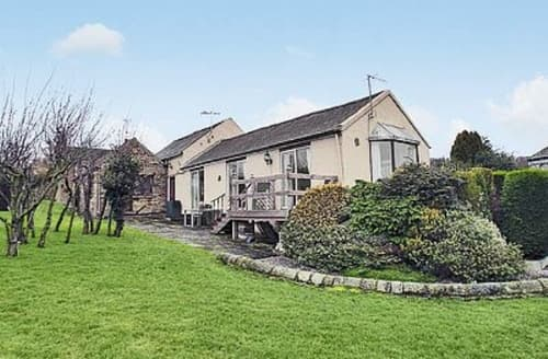 Last Minute Cottages - Superb Chesterfield Cottage S16537