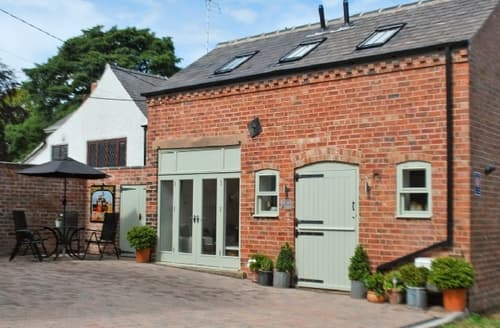Last Minute Cottages - Superb Chesterfield Cottage S16555