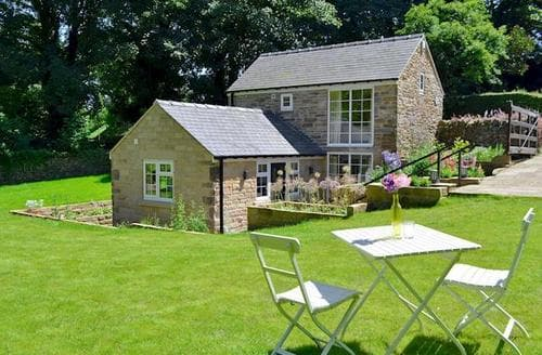 Last Minute Cottages - Tasteful Chesterfield Cottage S42611