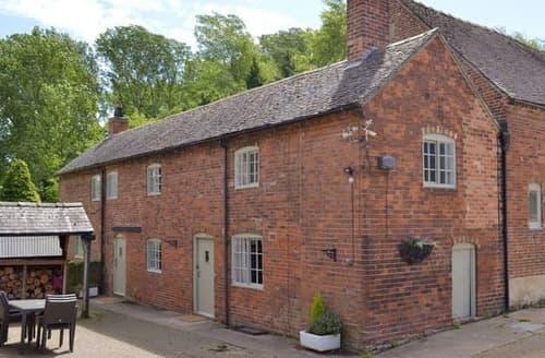 Last Minute Cottages - Wonderful Derby Cottage S16559