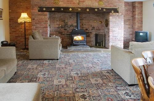 Last Minute Cottages - Inviting Derby Cottage S44344