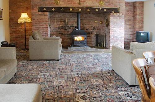 Big Cottages - Inviting Derby Cottage S44344
