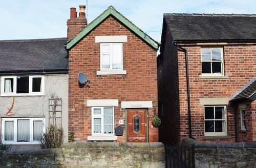Last Minute Cottages - Gorgeous Derby Cottage S42612