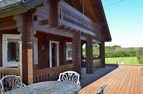 Big Cottages - Quaint Derby Lodge S95102