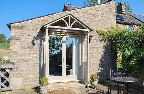 Last Minute Cottages - Attractive Edale Cottage S16569