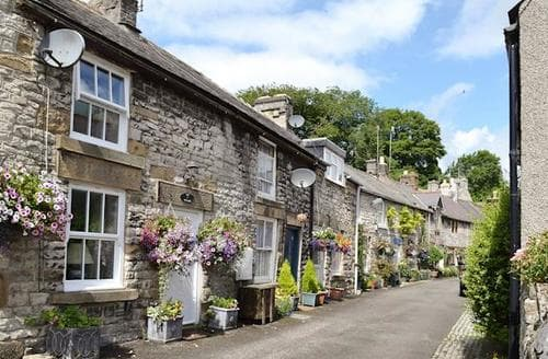 Last Minute Cottages - Gorgeous Tideswell Cottage S16682