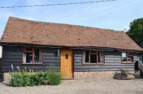 Last Minute Cottages - Inviting All Buckinghamshire Cottage S16863