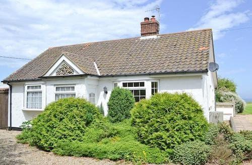 Big Cottages - Beautiful Cromer Lodge S17100