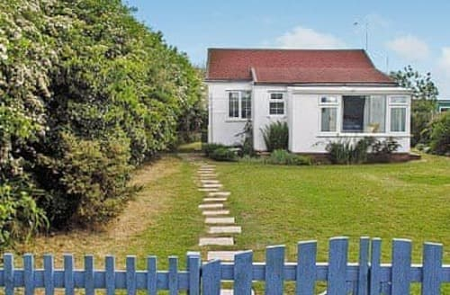 Last Minute Cottages - Delightful Happisburgh Cottage S17302