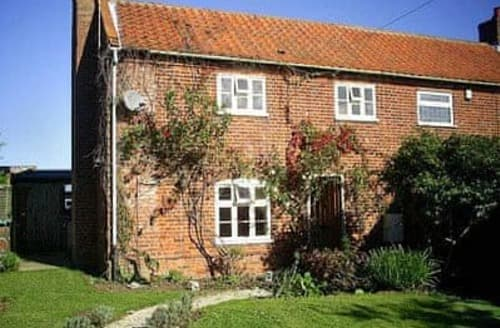 Last Minute Cottages - Cosy Happisburgh Cottage S17306