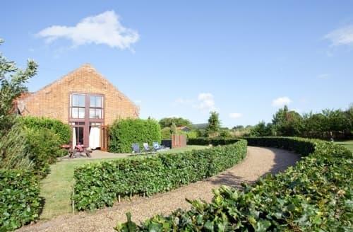 Last Minute Cottages - Delightful Horning Cottage S17376