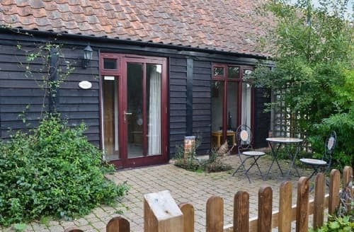 Last Minute Cottages - Cosy Horning Cottage S17374