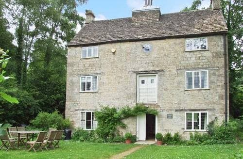 Last Minute Cottages - Charming Dursley Mill S2529