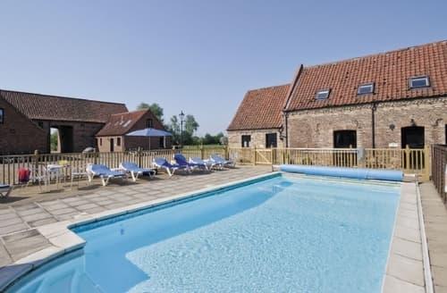 Last Minute Cottages - Luxury King's Lynn Cottage S17465