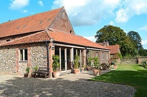 Last Minute Cottages - Lovely Melton Constable Cottage S17527