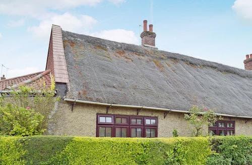 Last Minute Cottages - Cosy Winterton On Sea Cottage S17689