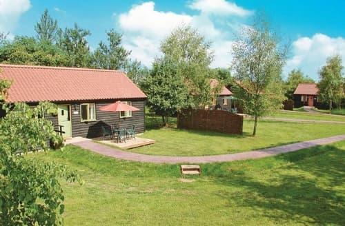 Last Minute Cottages - Attractive Halesworth Cottage S17901