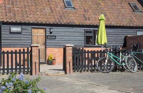 Last Minute Cottages - Charming Halesworth Cottage S96721