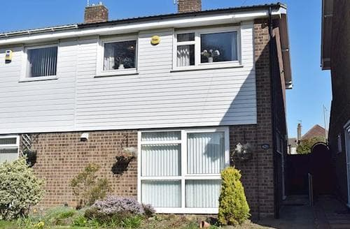 Big Cottages - Splendid Lowestoft Cottage S96722